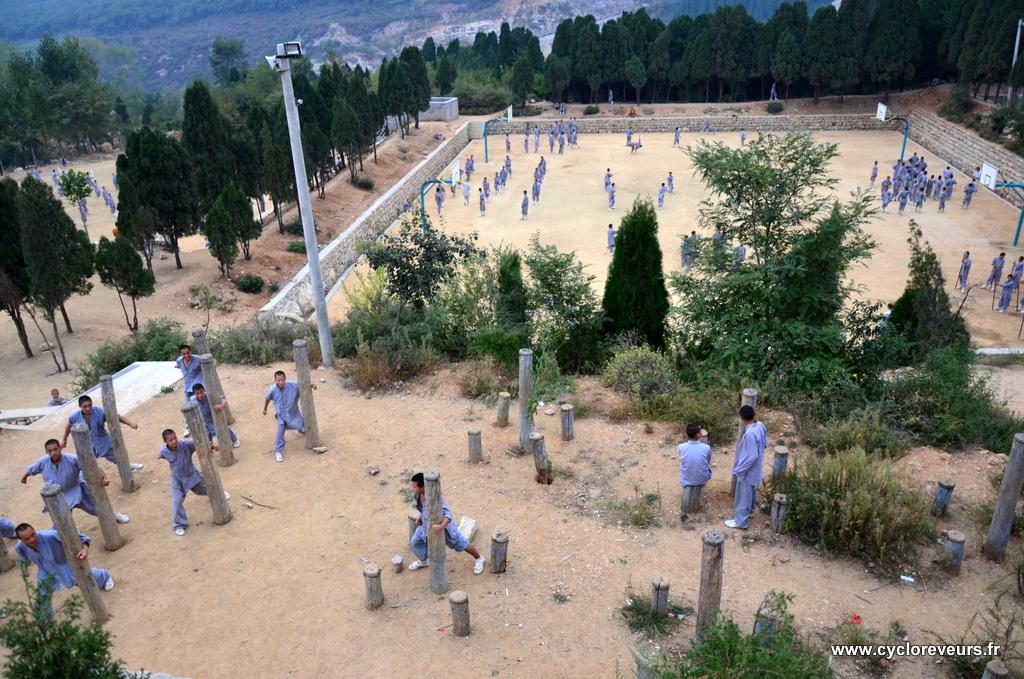 Camp d'entrainement au Kung-Fu Shaolin : moyenne d'âge : 13 ans !