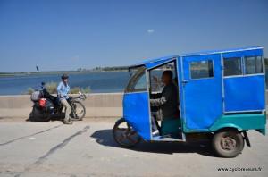 Fan de tricycles en Chine ! Sans doute un coup de legislation différente entre trois et quatre roues