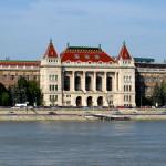 De jolis bâtiments donnent sur le Danube !