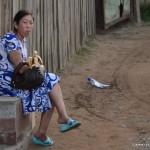 Femme dans une rue d'Oulan Bator