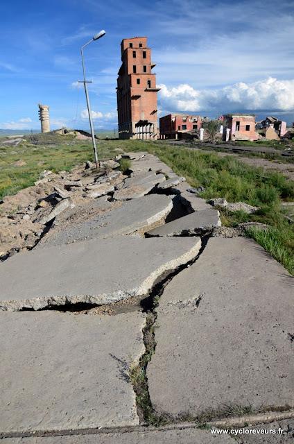 L'ancienne usine soviétique est complètement abandonnée